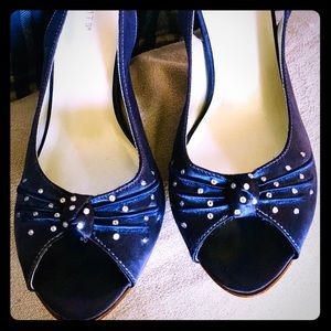 Absolutely gorgeous Navy Blue Satin heels, 8 1/2